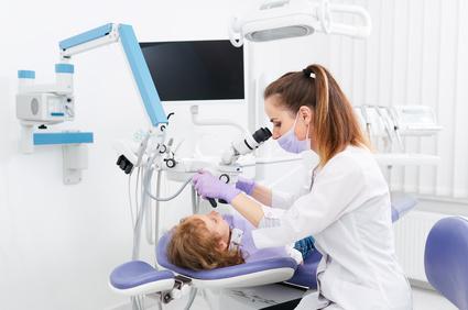 Endodontologie / Wurzelkanalbehandlungen