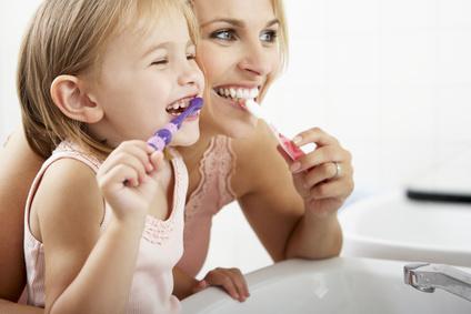 Größere Kinder sollen das Zähneputzen selber spielerisch erlernen