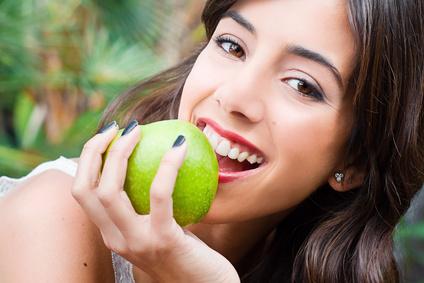 gesundes und schönes Zahnfleisch — Voraussetzung für ein strahlendes Lächeln